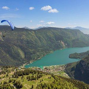 voli in parapendio biposto sull'altopiano della paganella