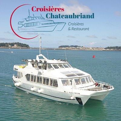Le Chateaubriand 3 est un catamaran de 25 mètres de long, confortable et lumineux, pouvant recevoir jusqu'à 200 passagers.  Il est équipé d'une grande et belle salle de restaurant, d'un petit salon privé et 2 terrasses extérieures. La croisière part du barrage de la Rance entre Dinard et St Malo et propose des visites d'1h30 ou 3h