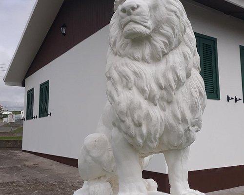 Núcleo Sportinguista de Santa Maria guardado pelo Leão.