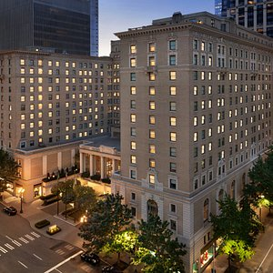 Exterior view of Fairmont Olympic Seattle