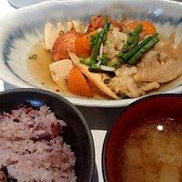 春の定食。手作りがんもと甘鯛の美味しい煮