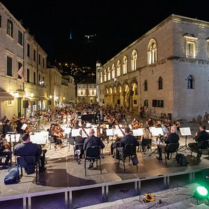 The DSO in front of the Cathedral