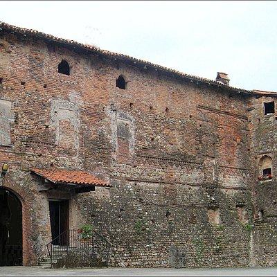 Castello di Lozzolo, Sec. XIII