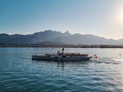 steamboat Blümlisalp on Lake Thun