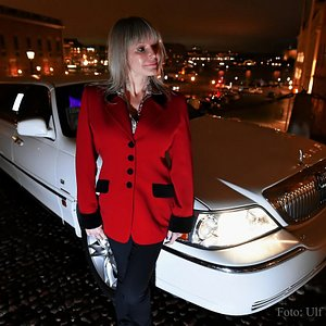 LIMO IN STOCKHOLM – FEMALE DRIVER