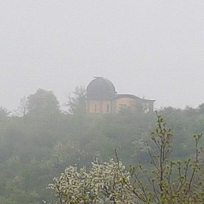 Osservatorio visto dal sentiero che porta al parco di Cerwood