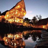 Restaurant and pool Bar Penida Suites