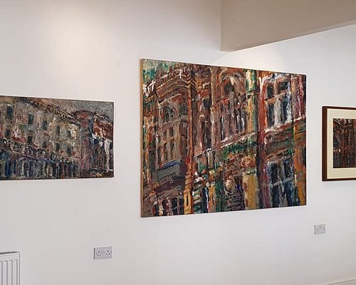 Excellent exhibition with paintings of Cardiff buidings