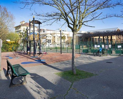 Square Pasteur