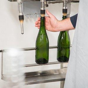 Bottling our Sparkling Vintage cider.