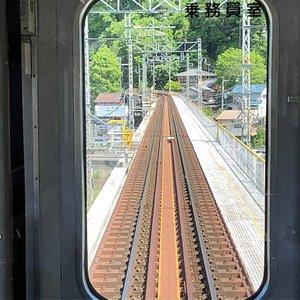 上り電車の運転席前方