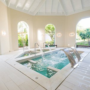 Pool at the Miile Spa in the Excellence Punta Cana.