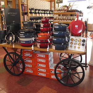 NH - PORTSMOUTH - LEROUX KITCHEN - CART WITH COOKING PANS