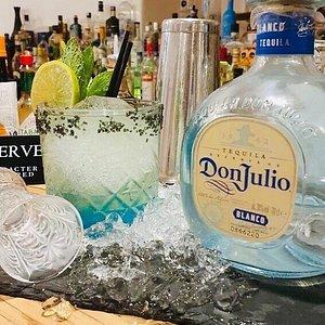 Love it …!!! #stoa #stoabar #bestbars #cocktails #nightlife #fira #santorini www.stoasantorini.com