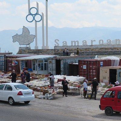 UZ: Tahta-Karacha-Pass; Markt auf der Pass-Höhe