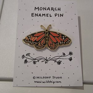 NH - PORTSMOUUTH - NAHCOTTA - MONARCH BUTTERFLY ENAMEL-COATED PIN