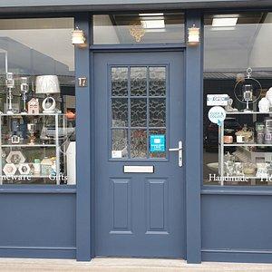 LumieScents shop front