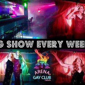 Drag/Transformistes Show every weekend.