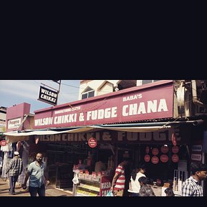 This is the place where you can get best quality Fudge , chikki and chana in mahabaleshwar