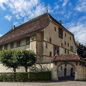 La Cour De Berne / La Cave de Berne (La Neuveville / Jura bernois)