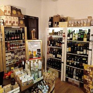 Il nostro punto vendita sempre ricco di nuovi prodotti della nostra magnifica regione Marche.