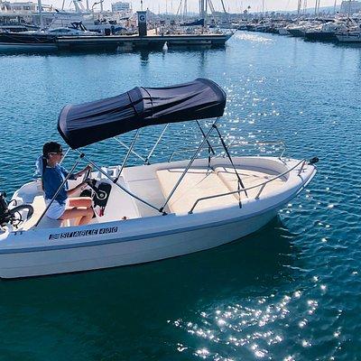 Barcos sin licencia en Sant Antonio ( Ibiza )