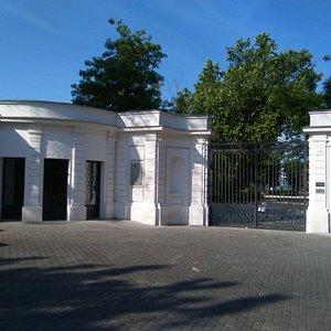 Puerta Real.