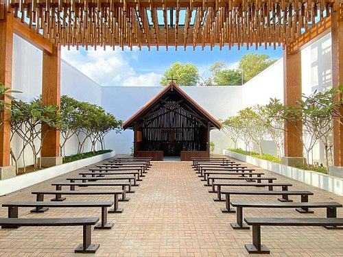Changi Chapel greets visitors as they enter the museum. It is a replica of St George's Church.