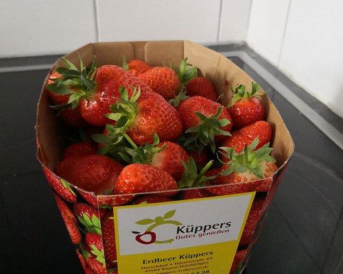 8,70€ für 1.3kg Erdbeer absoluter Verarschung! Keine Preisangabe kei Preisschild vor Ort! niemals wieder dahin