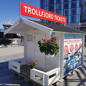 Our ticket office on Svolvaer square. www.trollfjordtickets.com