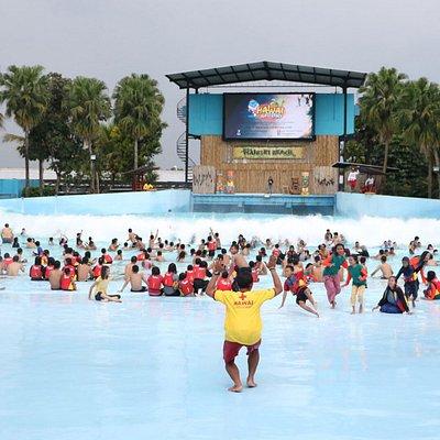 Tsunami Pool