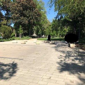 Wasserspiel am Friedenspark je zemná, vodná fontána