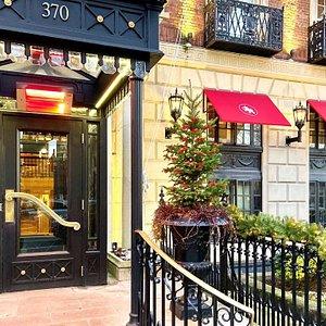 Eliot Hotel Exterior