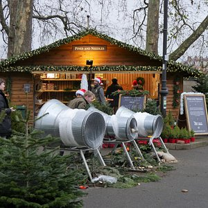 Battersea Park pop up Christmas Tree Shopping Experience