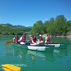 In canoa canadese sul Lago di Penne