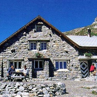 Wildhorn hut - Niesehore - Wildhorn hut (Gstaad BE)