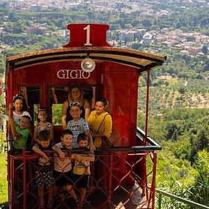 """""""Gigio"""" all'arrivo alla stazione a monte"""