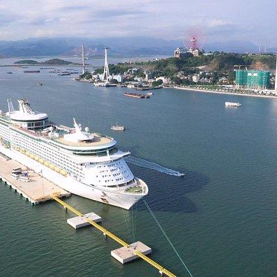 Ha Long international passenger ship port