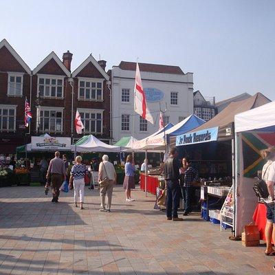 Historischer Markt seit 1227, findet zweimal wöchentlich statt.