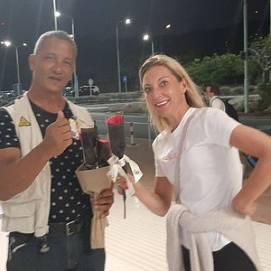 My female guests upon arrival in Curacao are warmly received.
