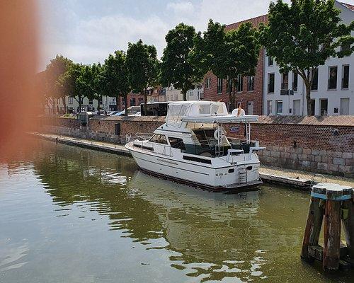 Yachthafen und Gorch Fock