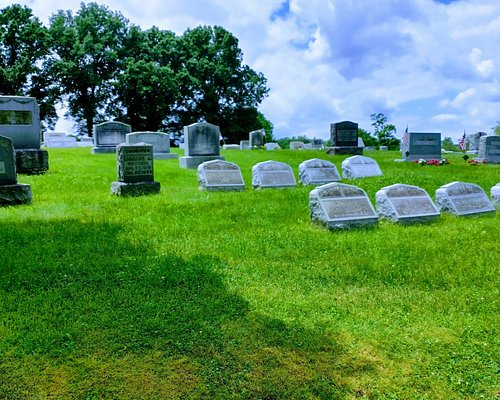 Various views of union cemetery. A nice place to walk.