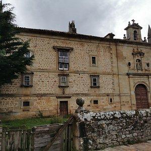 Palacio De Los Cuevas Velasco.