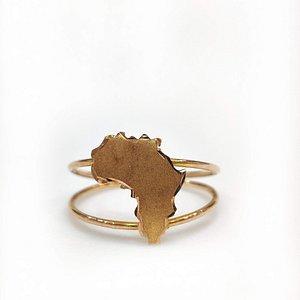 Africa map ring in 18 karat gold.