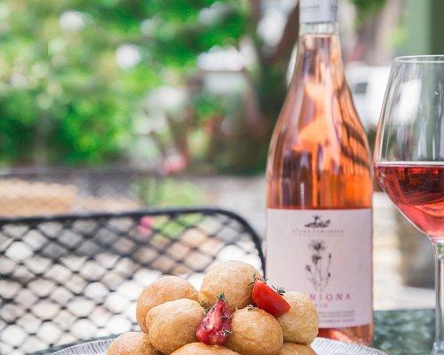 Απολαύστε κρασιά από το θεσσαλικό αμπελώνα