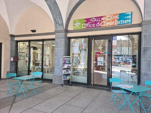 Devanture de l'office de tourisme de Sallanches.