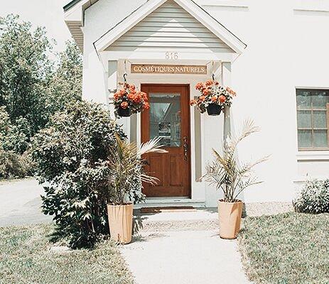 L'Institut de beauté Passion Herbale Cosmétiques naturels québécois est situé au 816 rue Shefford à Bromont