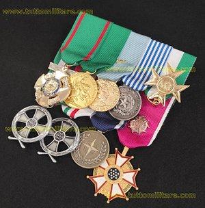 Medagliere a 9 posti con la croce da Ufficiale OMRI - Mauriziana- Lunga Navigazione Aerea - Anzianità Servizio 25 anni - Croce commemorativa per la Missione in Afghanistan e Fuori Area - Medaglia Bosnia Nato - Legion Of Merit Commander