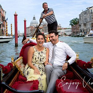 Venice Photographer for Photo Shoot or Photo Walk during an Enjoyable Tour. Professional Photography and Discovering Venice, Italy.