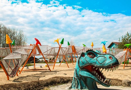There are various attractions in DINO parkas